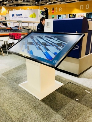 65 inch Touchscreen meubel